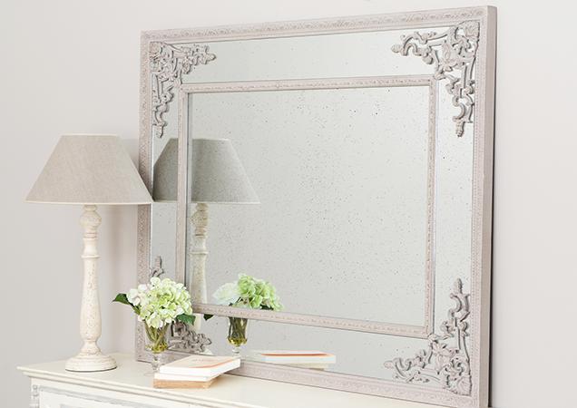 los espejos de estilo barroco son por s solos no necesitan mas decoracin que sus propias molduras son propios para consolas cmodas y
